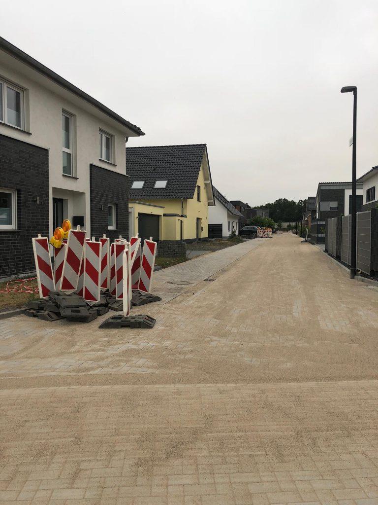 Halimi Pflasterbau Projekt im Bereich Straßenbau und Parkfläche