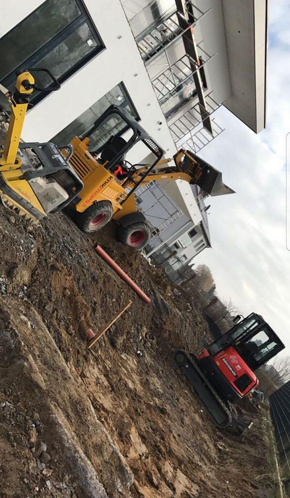 Halimi Pflasterbau Projekt Innenhof und Garten Bagger- und Tiefbauarbeiten