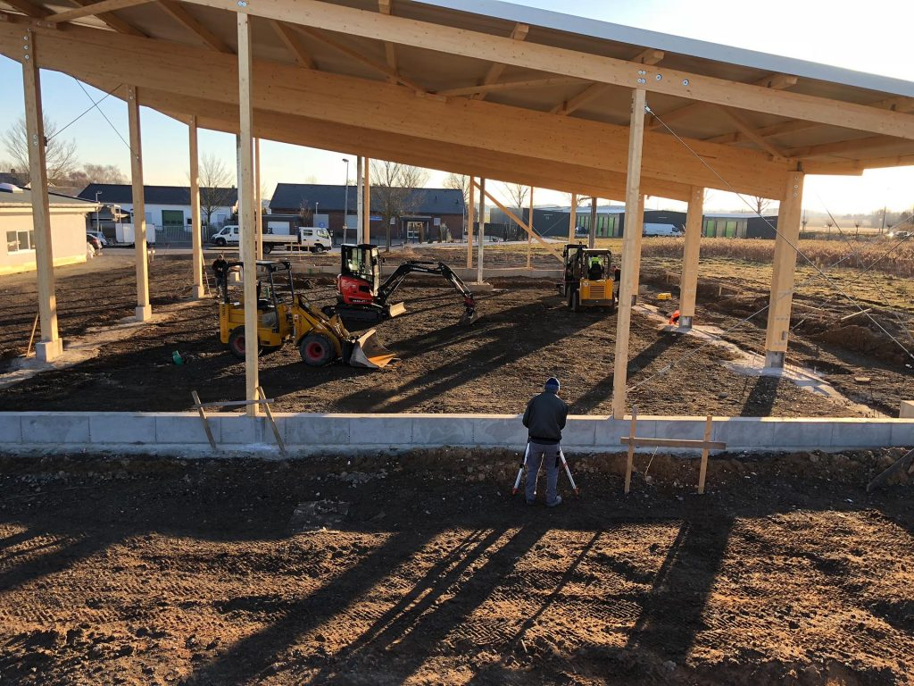 Halimi Pflasterbau Projekte Fundamentarbeiten an einer Holzkonstruktion