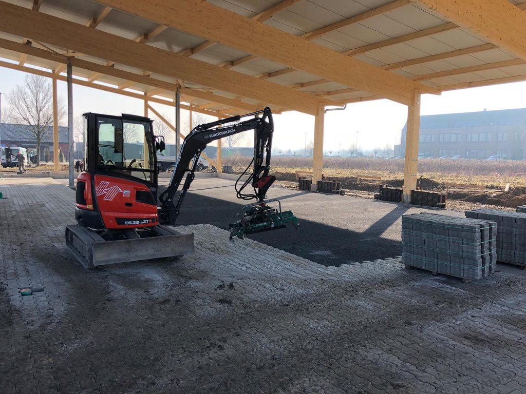 Halimi Pflasterbau Projekte Baggerarbeiten an einer Holzkonstruktion